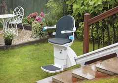 The outdoor exterior stairchair in City has outside stair chair lift
